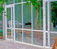 Уличные алюминиевые двери в магазин