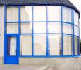 Алюминиевая дверь синего цвета